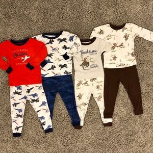 4 pairs of boys Carter's pajamas, size 2T